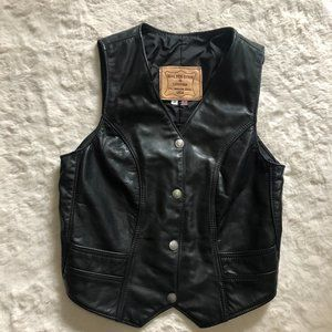 Walter dyer is leather vest motorcycle leather vest women's size small